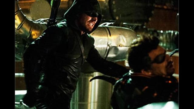 Arrow Finale Scoop: Can Oliver Take Down Slade Wilson?