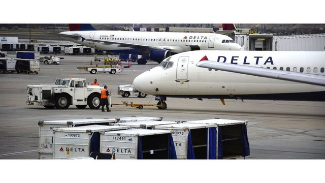 Delta passenger kicked off flight after bathroom emergency